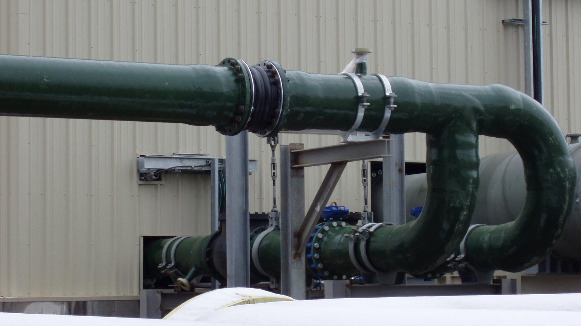 Side view of an assembled F-Chem Fiberglass Pipe