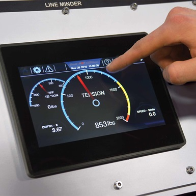 A LineMinder Touchscreen Panels for Wireline Units flat display being used