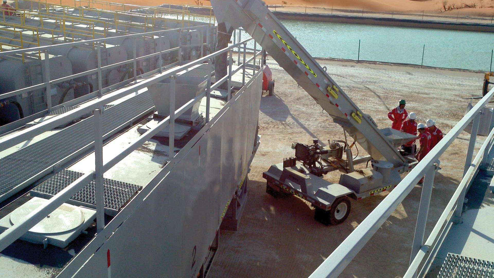 Mobile Unloading Belt Conveyor in use in dese