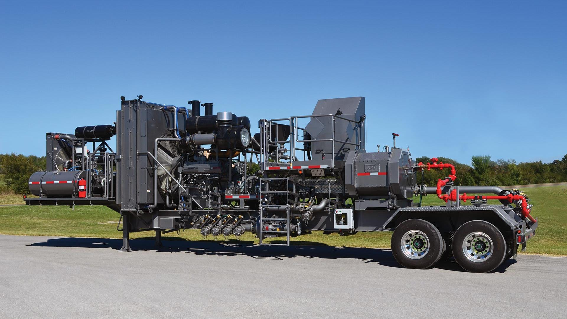 Side view of Trailer-Mounted Acid Fracturing Pumpe
