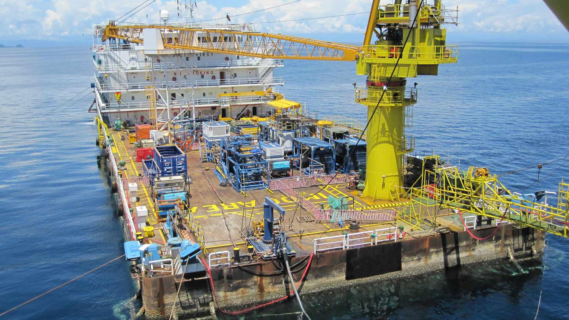 Wireless Catenary Coiled Tubing Unit at sea