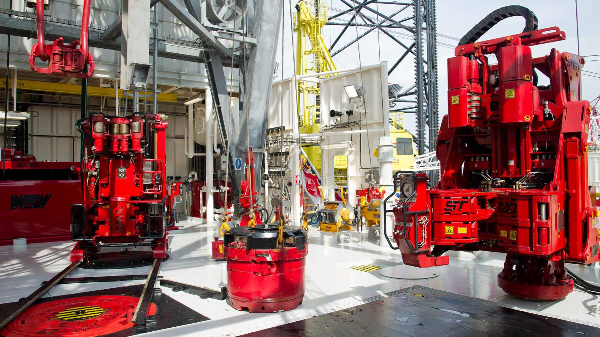 This rig has both an AR track-mounted Iron Roughneck and pedestal-mounted ST-120 Iron Roughneck installed on the Primus Jackup Rig.