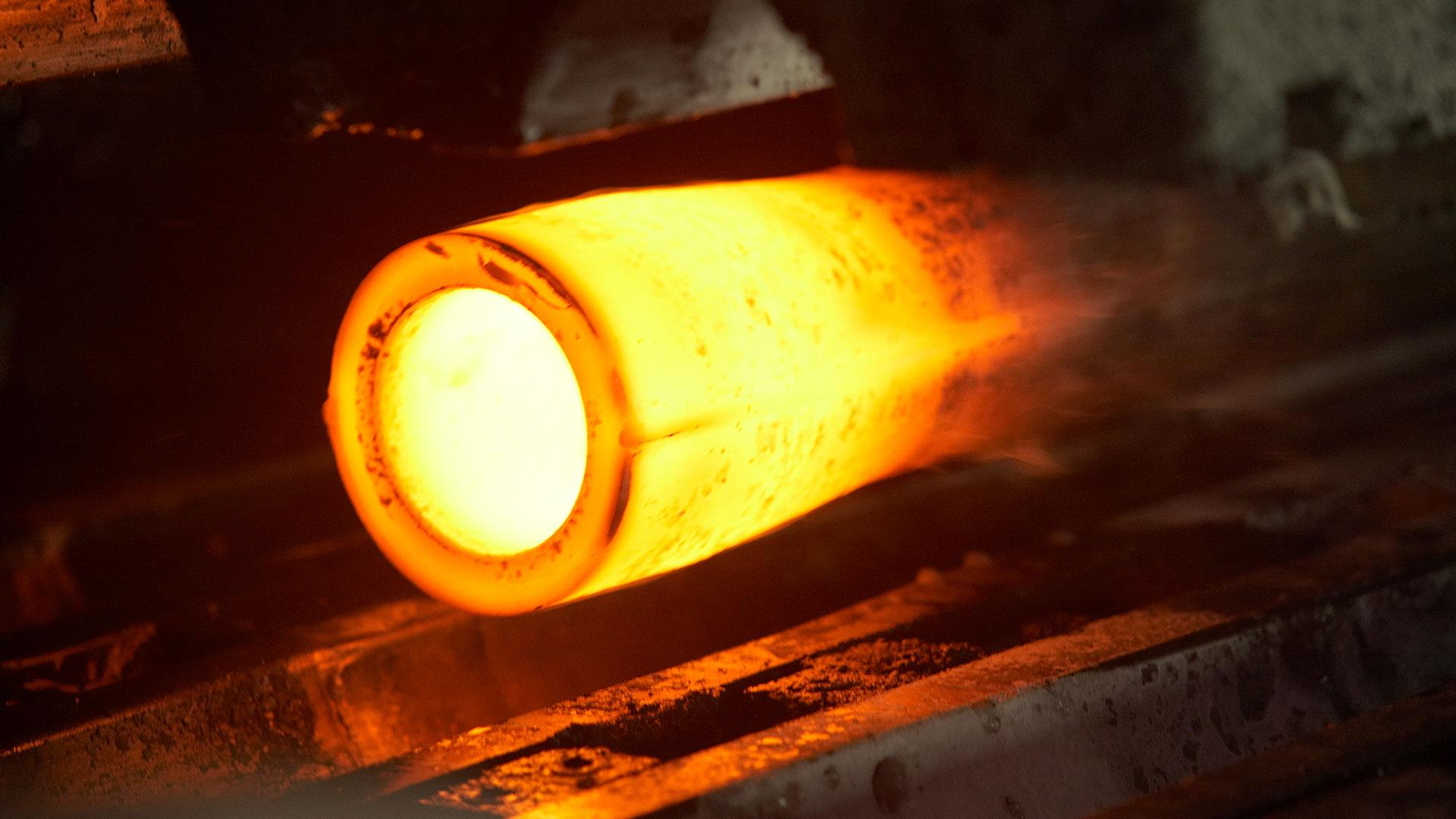 High Strength Drill Pipe glowing hot