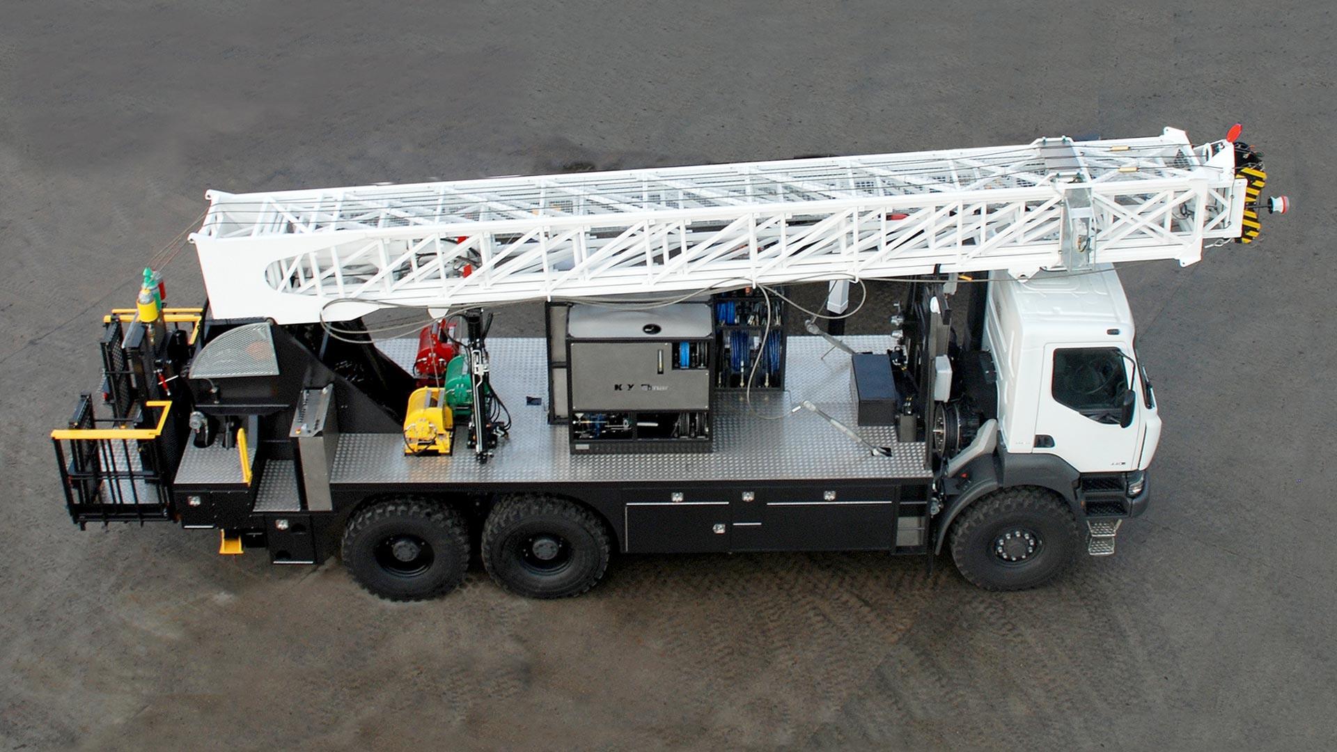 K WINCH 95 ft Truck Mounted Mast