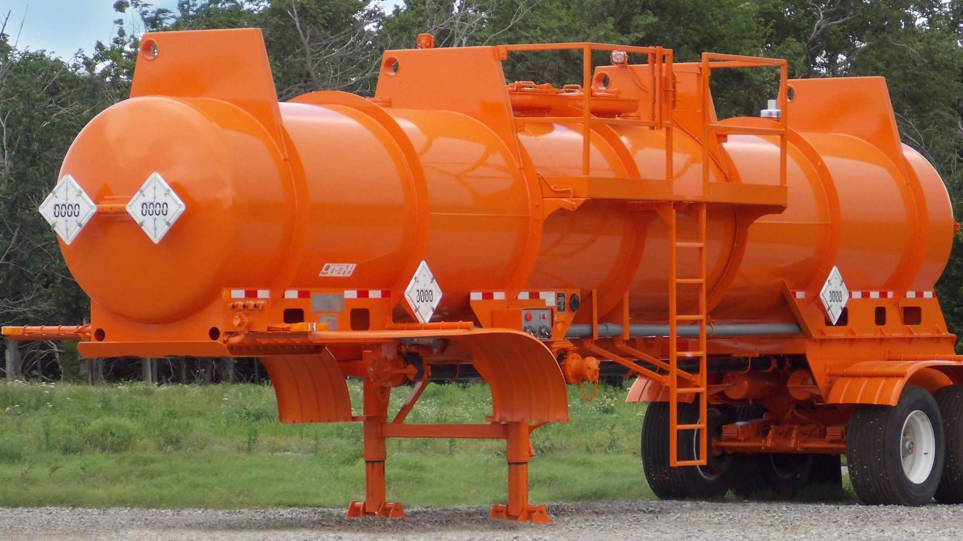 Side view of a Wilco Acid Transport Trailer