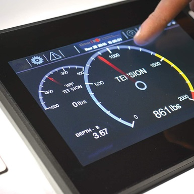 A LineMinder Touchscreen Panels for Wireline Units display being used to measure tension