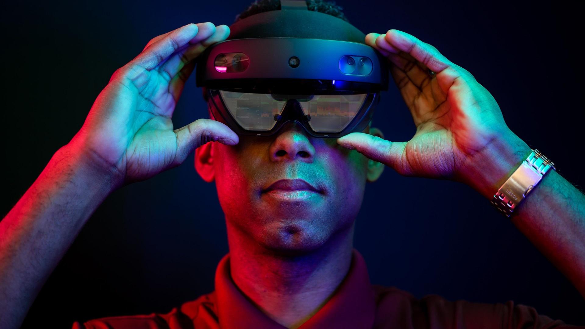 Lifecycl Performance Program HoloLens wearer