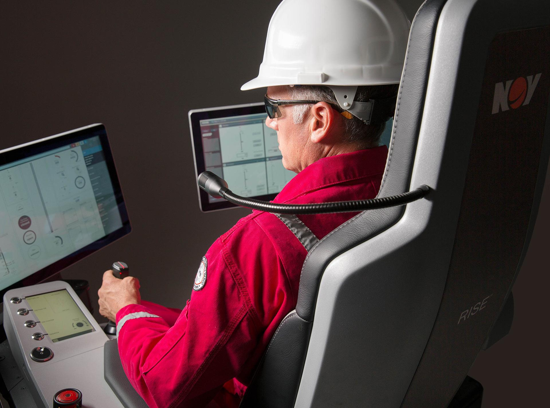 NOV RISE drilling rig workstation with ergonomic functionality