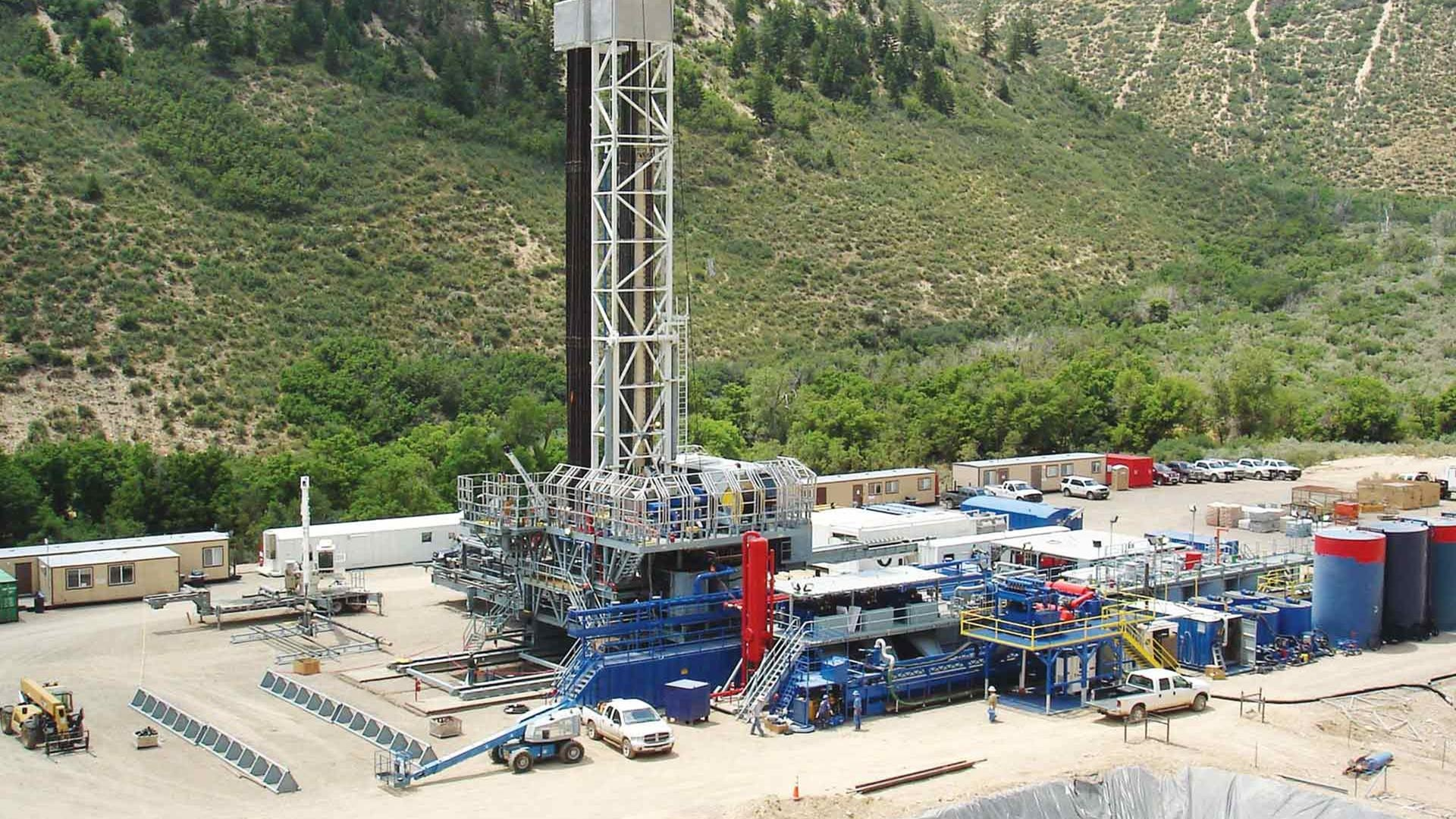 A Closed-Loop Mud System for drilling waste management on a rig in the mountains